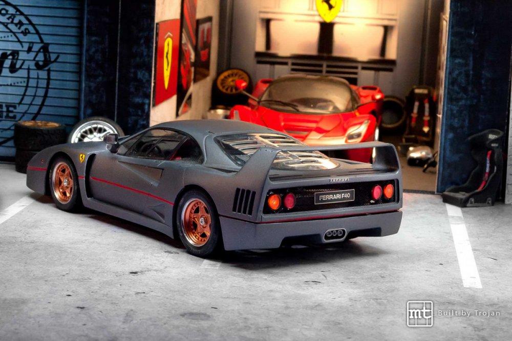 Ferrari-F40-Tamiya-fot3.thumb.jpg.3d405dc3d71bf86a4f4a32f5c9597bbc.jpg