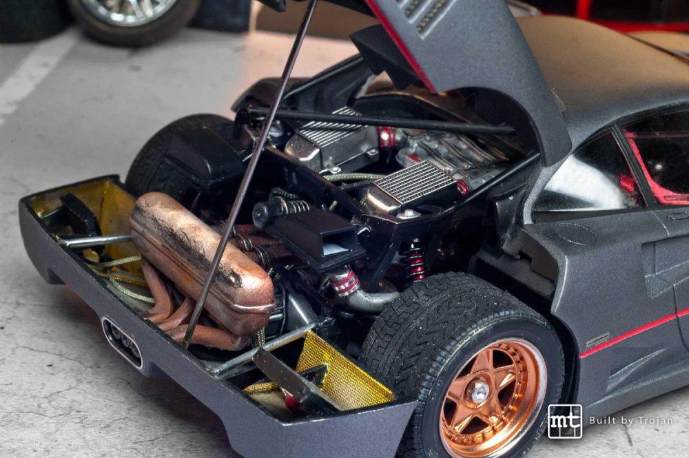 Ferrari-F40-Tamiya-fot8.thumb.jpg.a6e79eaf1bd0af90fc996a82a86b6963.jpg