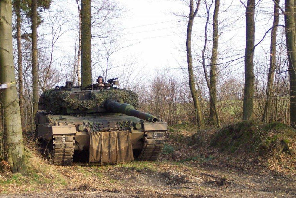 1076000213_Niemcy.Leopard2A4.(11).thumb.jpg.3540aa47988123bf45048e6562dc8be8.jpg