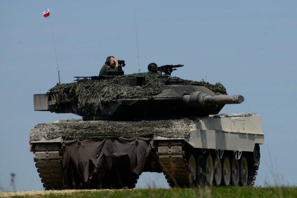 719979338_Polska.Leopard2A5.(5).thumb.jpg.aa2957cb0b9bdd1c3ce7516c0773e78b.jpg