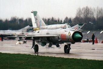 1_Pucki_Dywizjon_Lotniczy_MiG-21_bis-min.jpg.0b79d0a24e8a3db97307620c2b96bc10.jpg