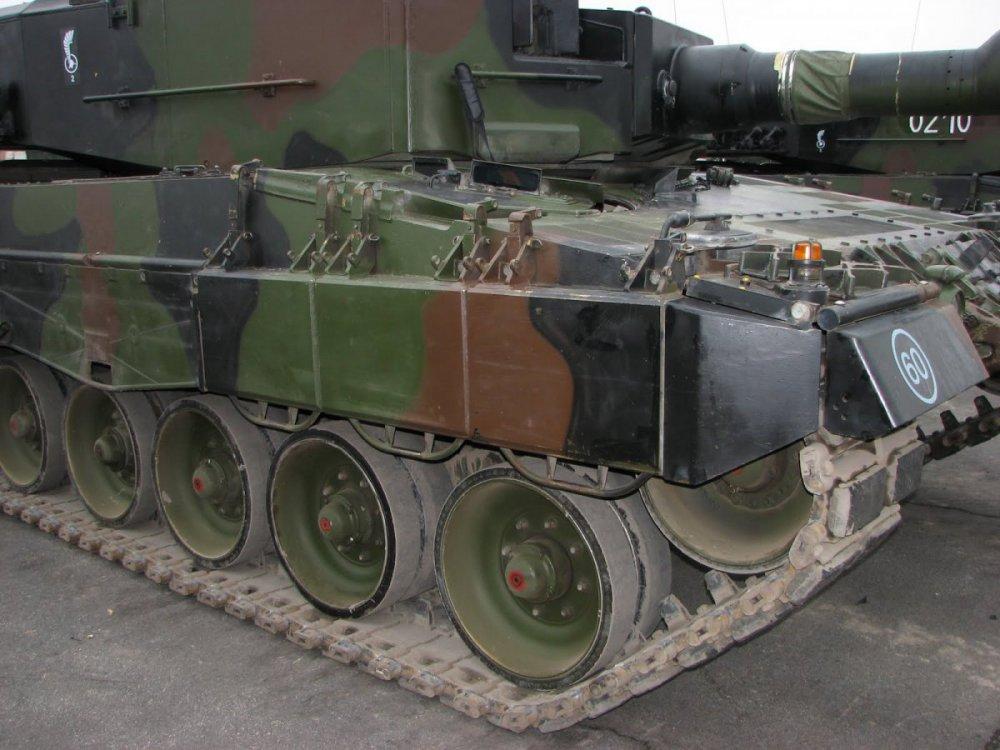 1342383466_Polska.Leopard2A4.(27).thumb.jpg.b0f92d44927a02a647d5159bfc736ec1.jpg