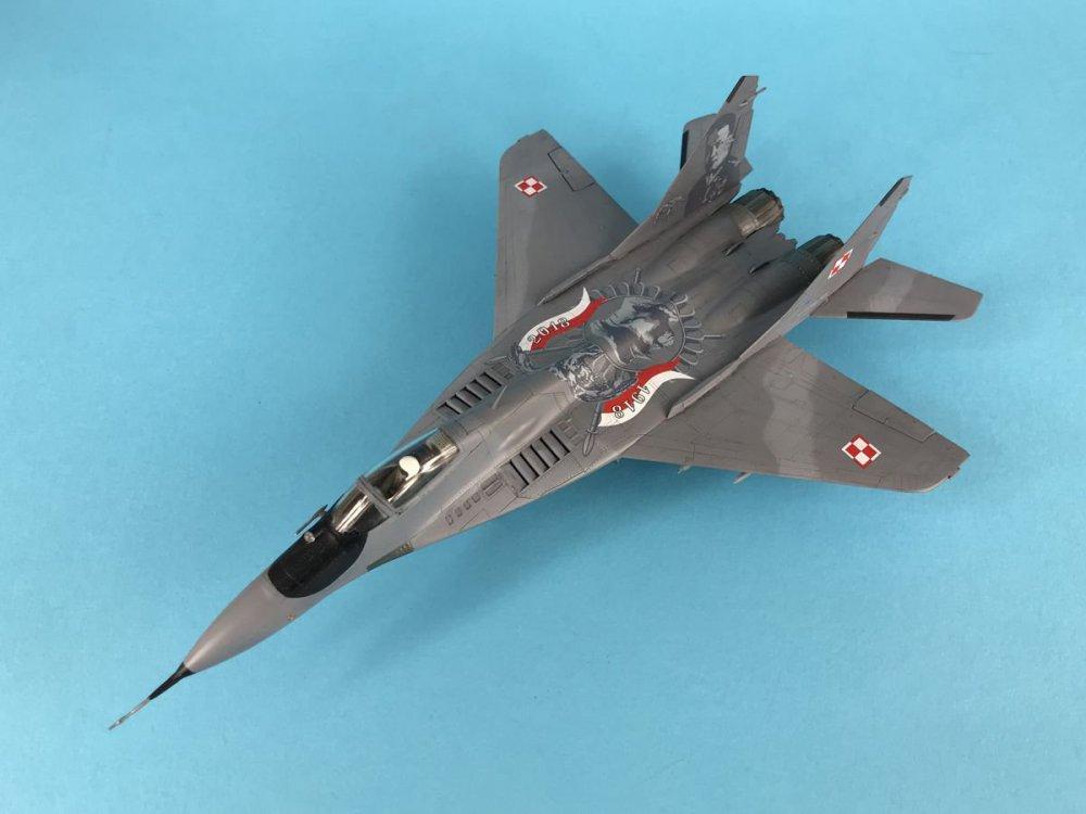 MiG-29 009g.jpg