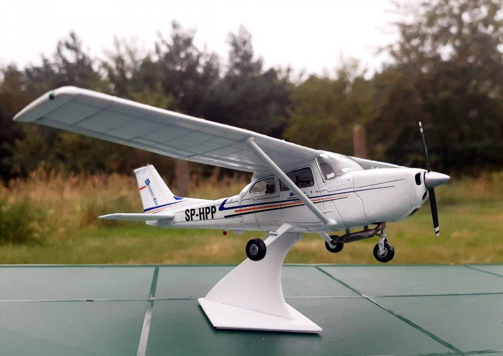 Cessna_001.thumb.jpg.2381692cd40a0ac08687bd7d1aa8ebb8.jpg