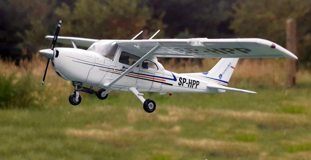 Cessna_002.thumb.jpg.59f33cbc1ca1e7d039680a04f40617a3.jpg