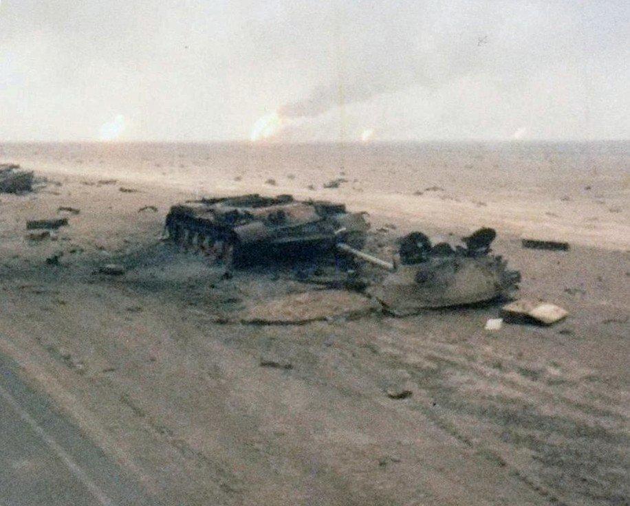 42144666_1Destroyed_Iraqi_tank_TF-41.jpg.639341252f9c3843bd657f2df77d649f.jpg
