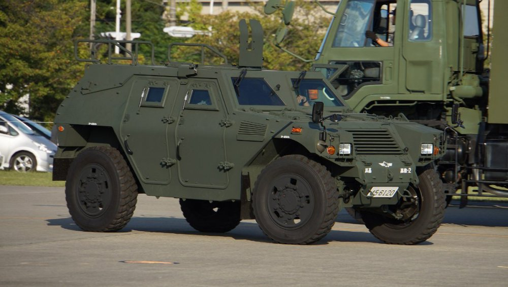 687262463_1920px-JASDF_Light_Armored_vehicle(45-6120)_right_front_view_at_Hamamatsu_Air_Base_September_28_2014_02.thumb.jpg.7a4b2ac33220769e3e471d4999de5650.jpg