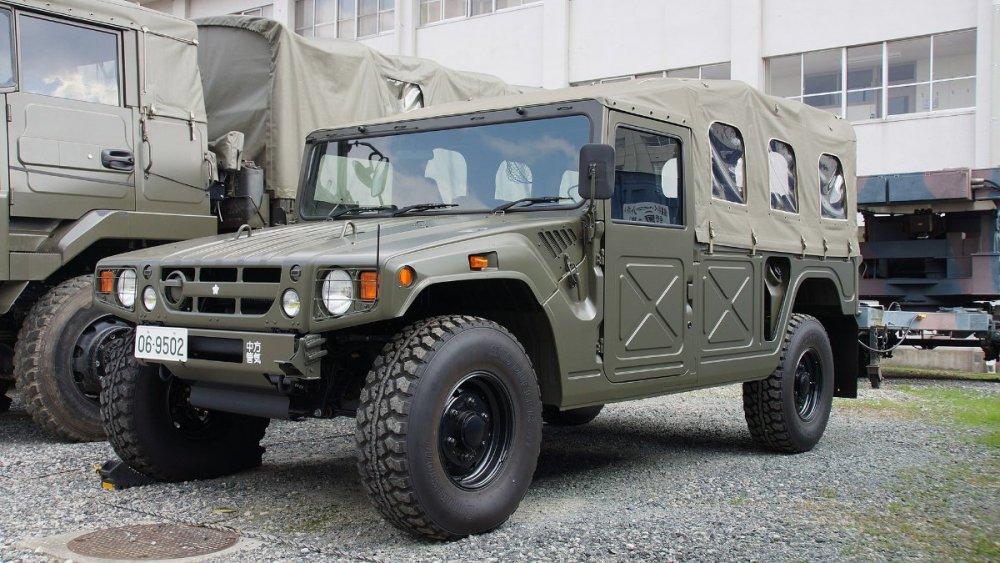 769982598_1920px-JGSDF_High_Mobility_Vehicle(06-9502)_left_front_view_at_Camp_Akeno_November_4_2017.thumb.jpg.4fd3adccc572db177739350095383941.jpg