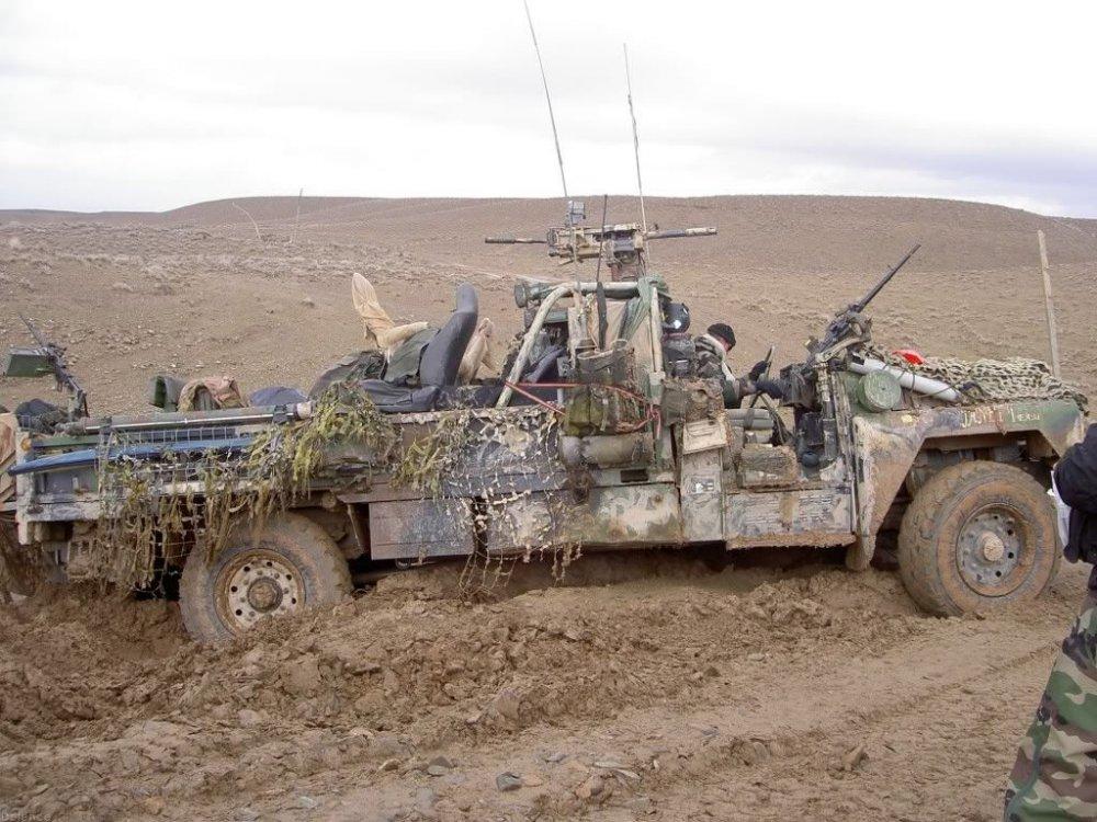 Stuck_in_our_truck_again.thumb.jpg.29e6959fbd1267868cc2e74ee4c58399.jpg