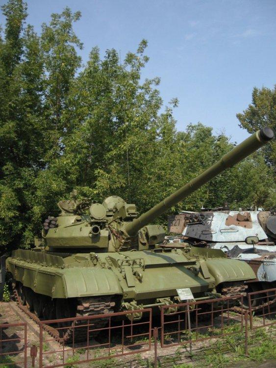 T-55AM_main_battle_tank_at_the_Muzeum_Polskiej_Techniki_Wojskowej.jpg