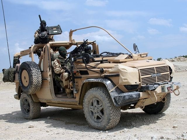 VPS-Panhard_light_4x4_Special_Force_patrol_vehicle_France_French_army_defence_industry_military_technology_640_001.jpg.0fd3c86c8e6e01046215cbf5443eba01.jpg