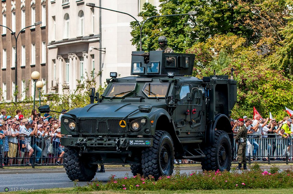 12136125_oshkosh-matv--mine-resistant-ambush-protected-vehicles-.jpg.f59d0090471166e5b210bb0f13eaa6a1.jpg