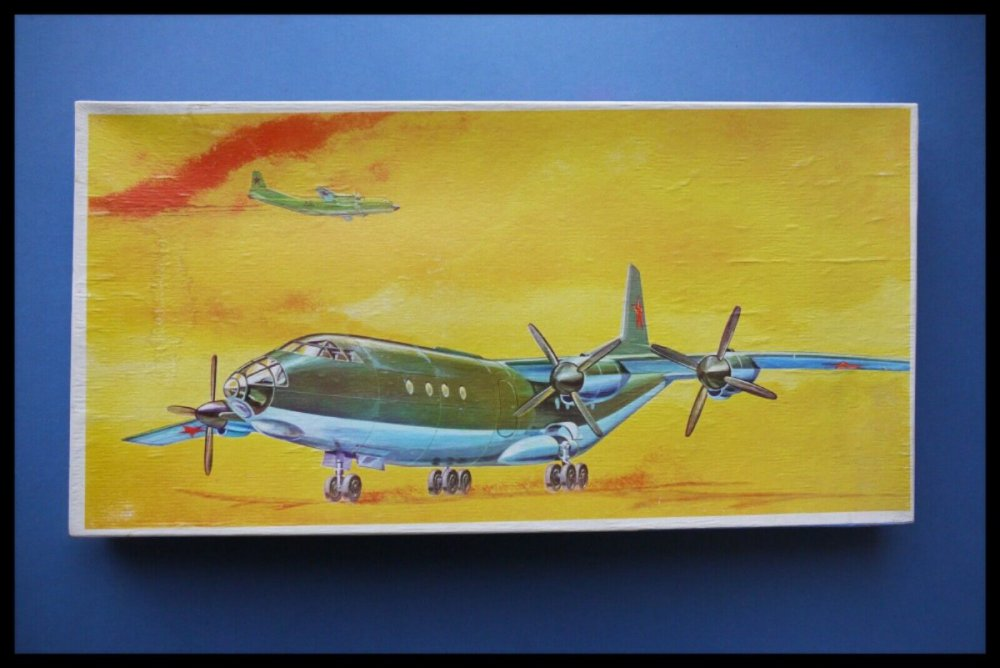 VEB-PLASTICART-Antonov-AN-12-1100-Scale-Model-Kit.jpg