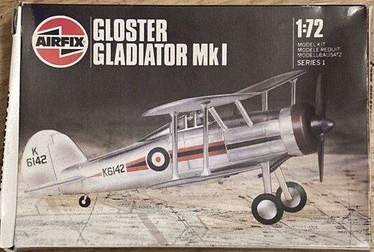 Gladiator.jpg.56810de3893be8f51e82220d98efcb71.jpg