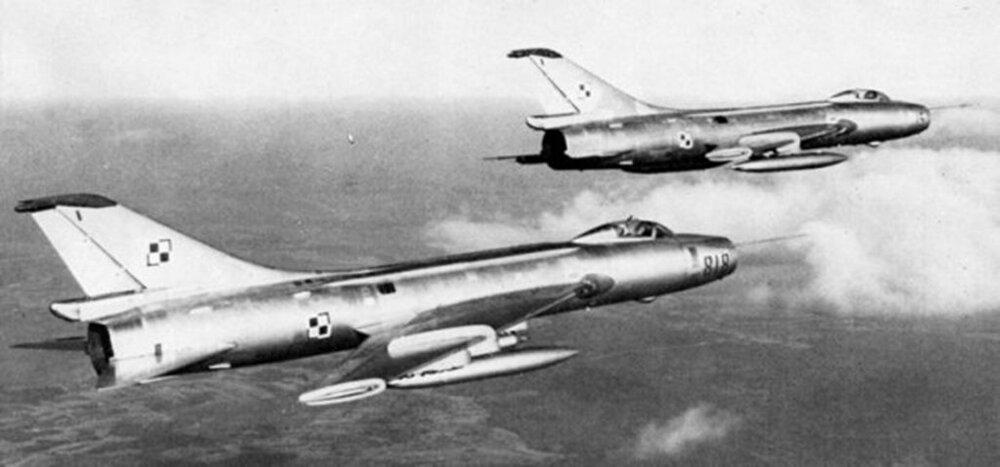 SUCHOJ Su-7BKŁ.818(POLSKA) (1).jpg