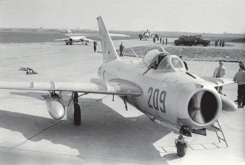 Fot 65 lim 5 MiG 17F.jpg