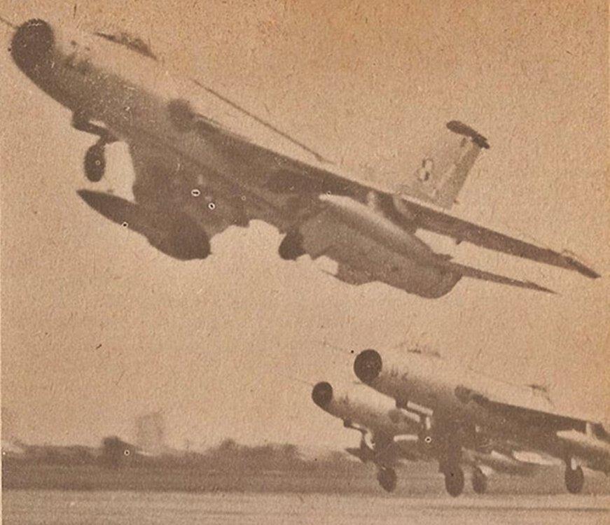 SUCHOJ Su-7BKŁ.23(POLSKA) (1).jpg