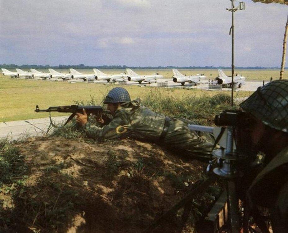 SUCHOJ Su-7BKŁ.xxx(POLSKA) (2).jpg
