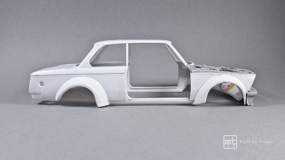 BMW-2002-Hasegawa-fot43.thumb.jpg.f6fcd62318528b09996c990e705c843d.jpg