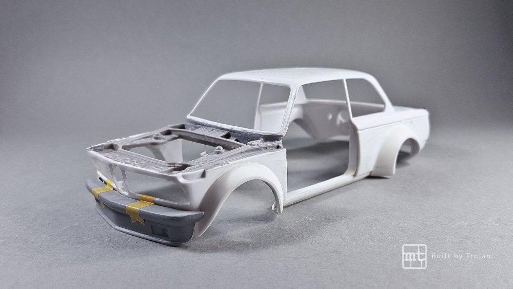 BMW-2002-Hasegawa-fot44.thumb.jpg.7b32bbdc767a35d90736f96759246443.jpg