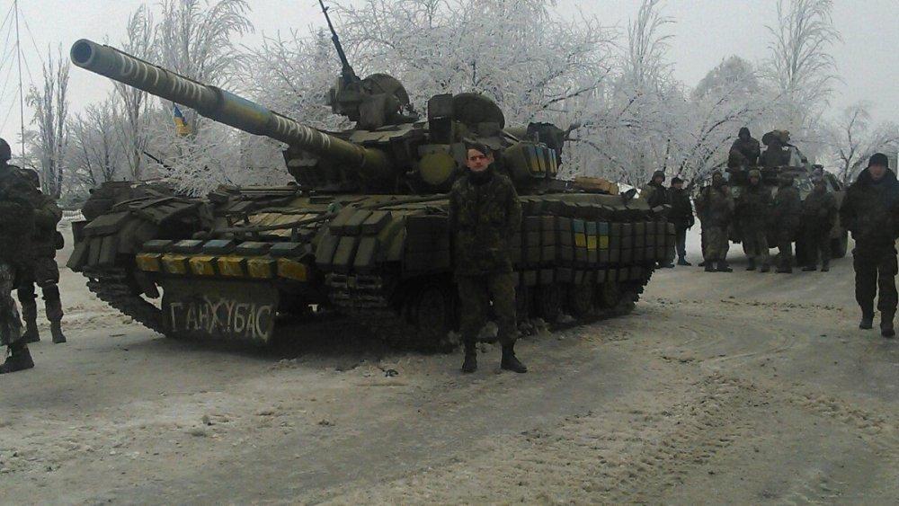 1028315687_Ukraina.T-64B.(5)era.thumb.jpg.acaab5ca4a7b8f1757263040f5c4ae91.jpg
