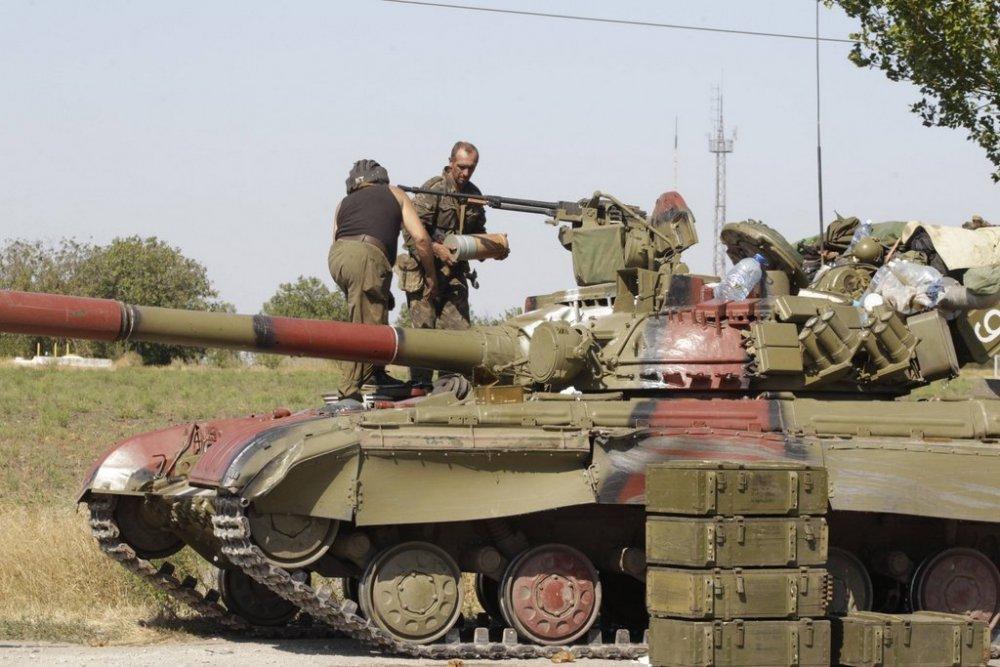 49776802_Ukraina.T-64B.(2).thumb.jpg.bc2ce077dd77f439d78f345b72b5f0ac.jpg