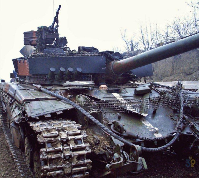 941447656_Ukraina.T-64B.(4).thumb.jpg.f8ae4747892abae0bc5bdbcad46965f5.jpg