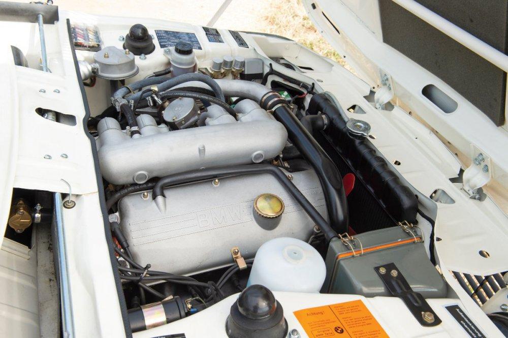 BMW-2002-Turbo-Engine-Bay.thumb.jpg.1799fc9d5de4d66c9ea3a675d94fed84.jpg